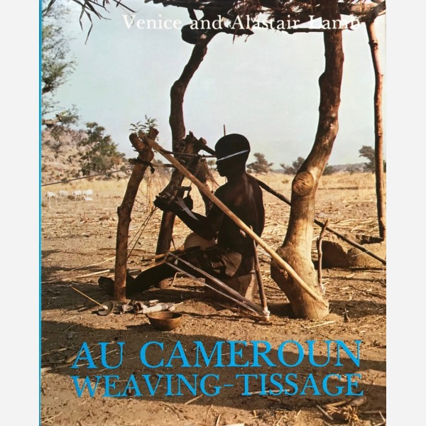 Au Cameroun : Weaving -Tissage